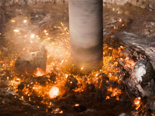 宜安科技-熔炼